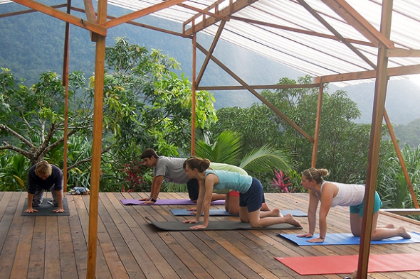 Yoga adventure honduras for How to build an outdoor yoga platform